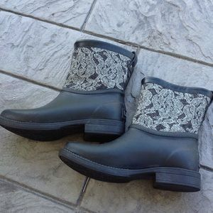Ugg rubber boots.